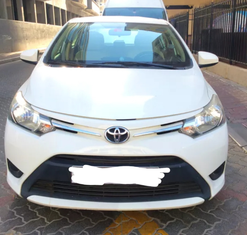 Toyota yaris sedan 1.5 2017