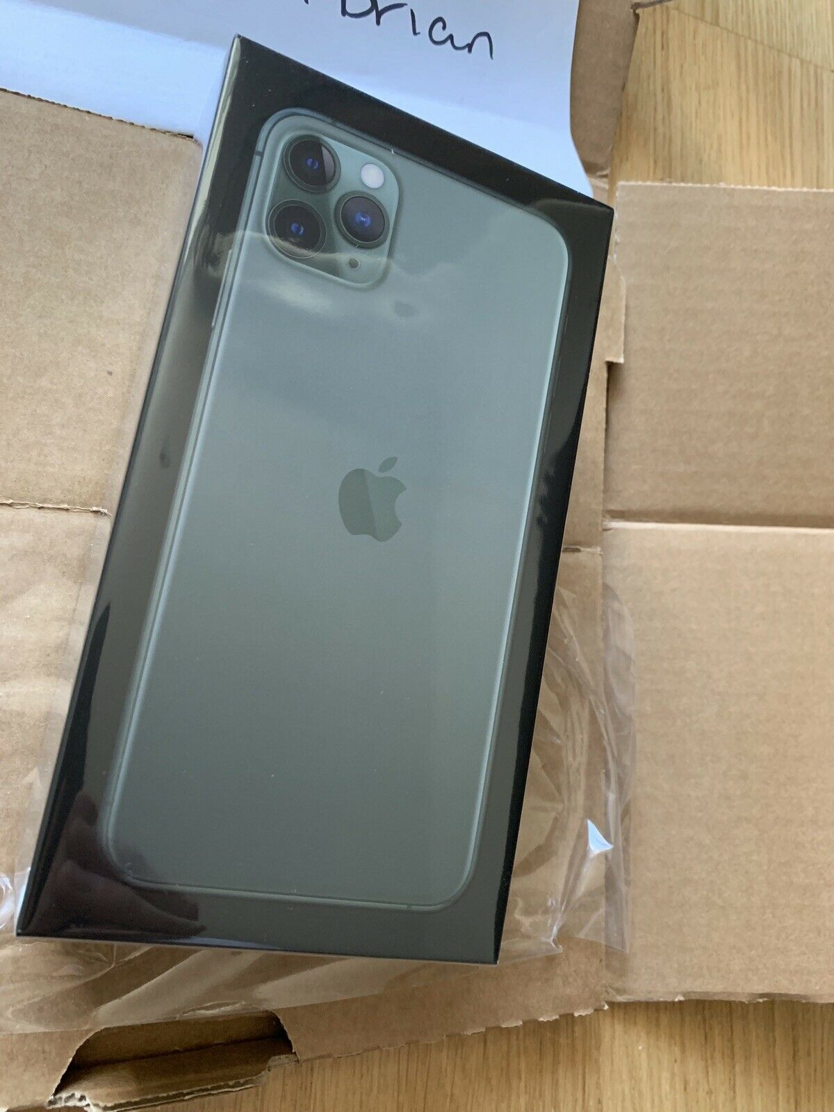 Apple iPhone 11 Pro Max 256GB Unlocked == $800