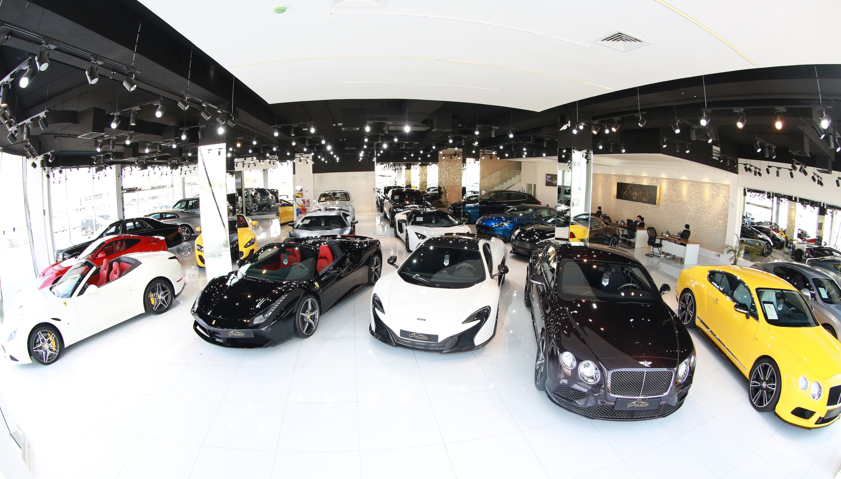 luxury-car-dealer-in-dubai---pearl-motors